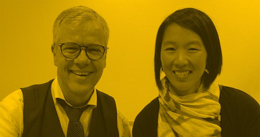 Rainer Schmidt, Kabarettist und Moderator zusammen mit Shau Chung Shin, Creative Director HAHAHA Global.