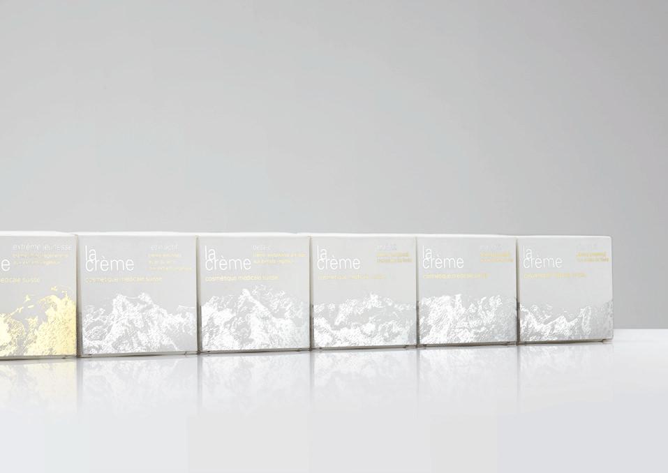 Verpackungslinie mit Alpenpanorama für La Crème Cosmétique Médicale Suisse